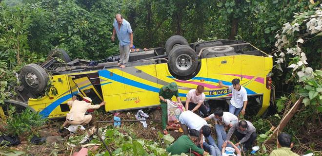 Hiện trường kinh hoàng vụ xe khách chở hàng chục sinh viên lao xuống vực sâu ở đèo Hải Vân-4