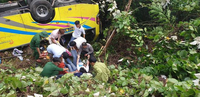 Hiện trường kinh hoàng vụ xe khách chở hàng chục sinh viên lao xuống vực sâu ở đèo Hải Vân-5