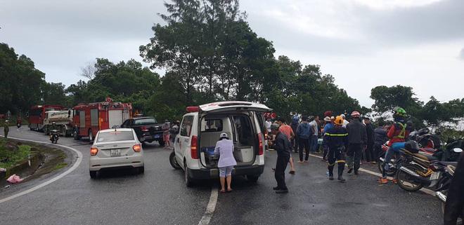 Hiện trường kinh hoàng vụ xe khách chở hàng chục sinh viên lao xuống vực sâu ở đèo Hải Vân-6