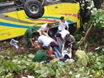 Xe khách chở hơn 20 sinh viên, giảng viên lao xuống vực ở đèo Hải Vân: Danh tính 10 người thương vong-4