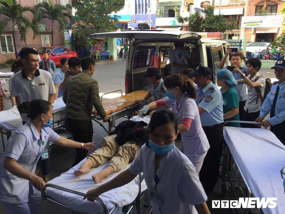 Xe khách chở hơn 20 sinh viên, giảng viên lao xuống vực ở đèo Hải Vân: Danh tính 10 người thương vong-1