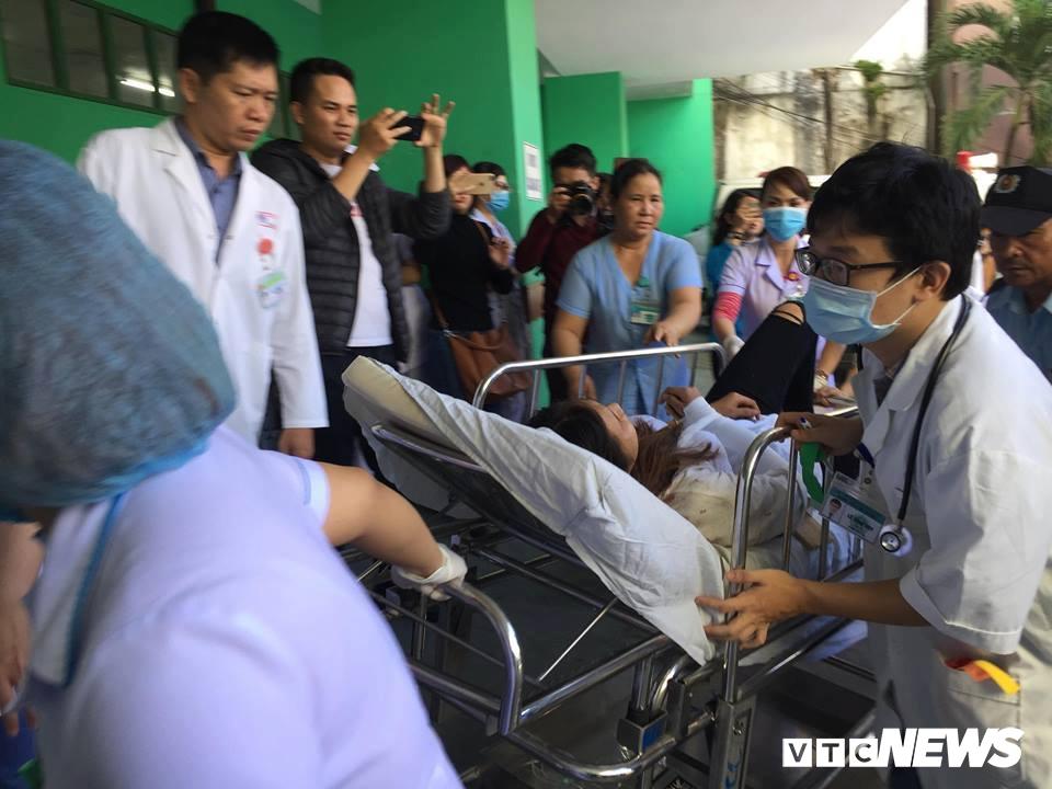 Xe khách chở hơn 20 sinh viên, giảng viên lao xuống vực ở đèo Hải Vân: Danh tính 10 người thương vong-2