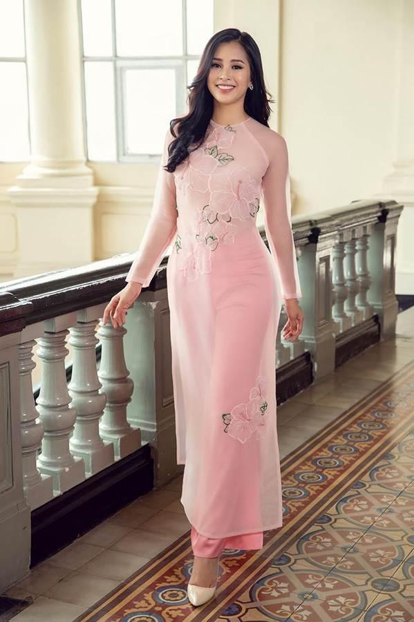 Top 3 HH Việt Nam 2018 khoe nhan sắc thanh xuân rực lửa với áo dài-2