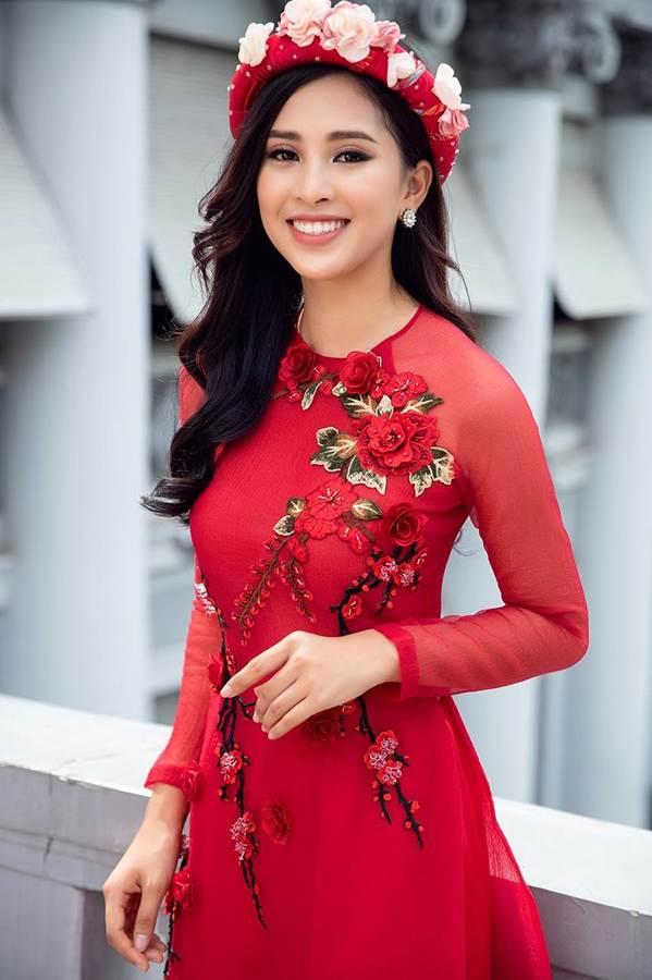 Top 3 HH Việt Nam 2018 khoe nhan sắc thanh xuân rực lửa với áo dài-3