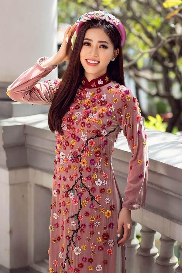 Top 3 HH Việt Nam 2018 khoe nhan sắc thanh xuân rực lửa với áo dài-4