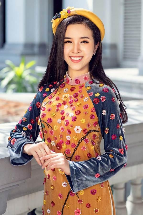 Top 3 HH Việt Nam 2018 khoe nhan sắc thanh xuân rực lửa với áo dài-6