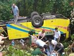 Người cứu 10 nạn nhân vụ xe khách lao xuống đèo Hải Vân: Nhiều em mắc kẹt trong xe gào khóc, kêu cứu thất thanh-12