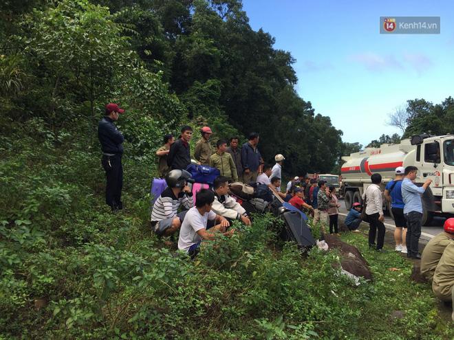 Người cứu 10 nạn nhân vụ xe khách lao xuống đèo Hải Vân: Nhiều em mắc kẹt trong xe gào khóc, kêu cứu thất thanh-7