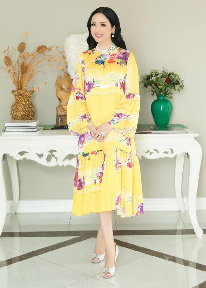 Hoa hậu Đền Hùng Giáng My diện đầm vàng khoe sắc xuân rạng rỡ-5