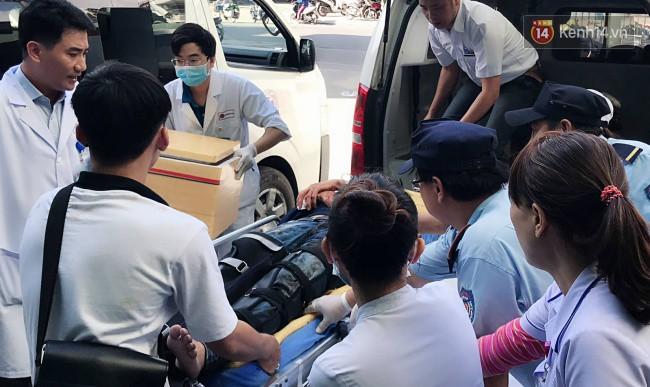 Cánh tay đứt lìa của nữ sinh trong vụ tai nạn xe khách trên đèo Hải Vân đã được nối lại thành công-1