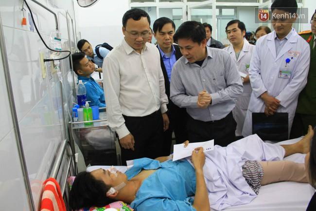 Cánh tay đứt lìa của nữ sinh trong vụ tai nạn xe khách trên đèo Hải Vân đã được nối lại thành công-3