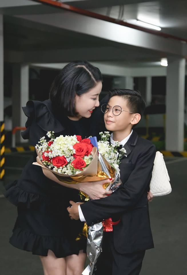 3 người con ruột của Hoa hậu Hà Kiều Anh và chồng đại gia có cuộc sống như thế nào?-5
