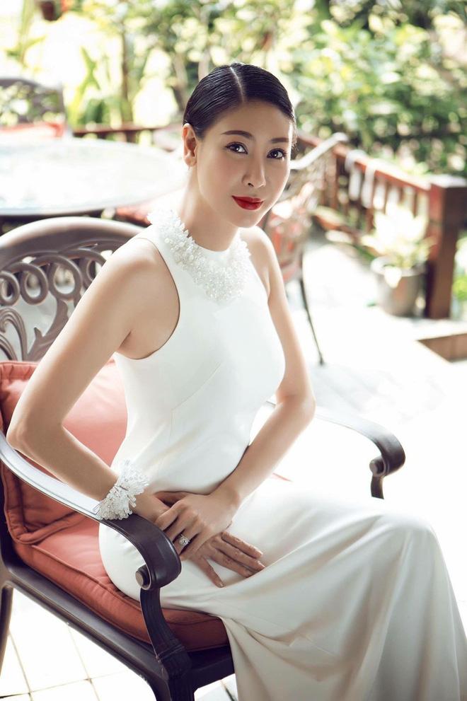 3 người con ruột của Hoa hậu Hà Kiều Anh và chồng đại gia có cuộc sống như thế nào?-1