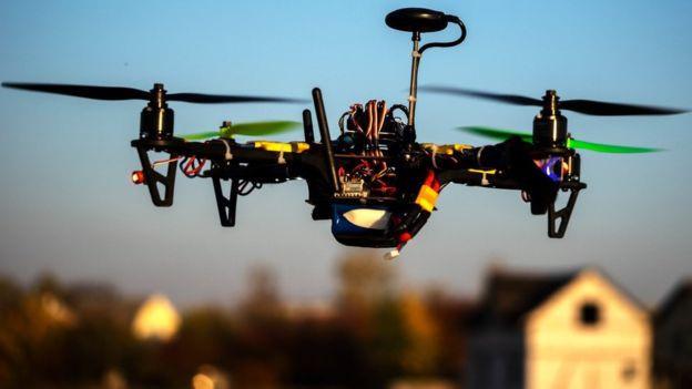 Sân bay Anh lại náo loạn vì phát hiện drone-1