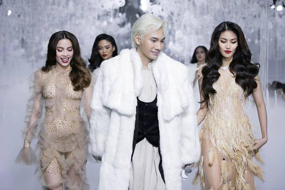 Catwalk vẫn đẳng cấp thần sầu, Hồ Ngọc Hà mặc như không trên sàn diễn thời trang-1