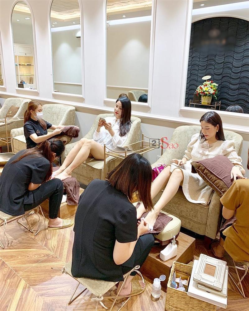Cố quảng cáo tiệm nail của Kỳ Duyên, ai ngờ Diệp Lâm Anh lại hại chết hoa hậu vì bộ móng mắc tiền mà nhìn thấy ghê-4