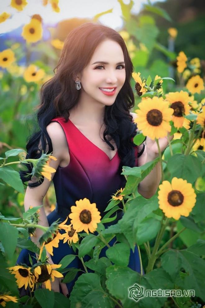 Mỹ nhân chuyển giới Đoàn Trần đẹp nao lòng giữa đồng hoa Đà Lạt-11