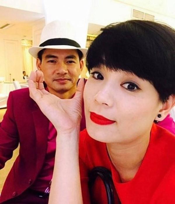 Hôn nhân 13 năm kín tiếng của Nam Tào Xuân Bắc với vợ giảng viên-4