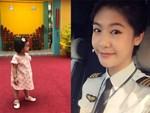 Nữ cơ trưởng Huỳnh Lý Đông Phương khoe con gái nhỏ biểu cảm cực ngầu, hạnh phúc vì cô bé y như bản sao mini-5