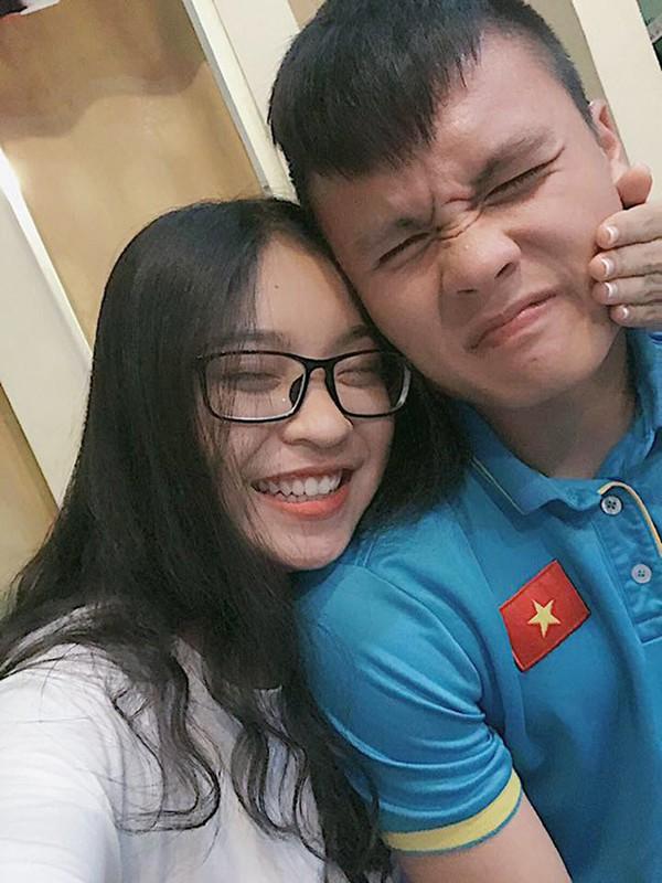 Tận dụng sức hút của bạn trai ở Asian Cup, người yêu cầu thủ Quang Hải chuẩn bị ra MV đầu tay?-1