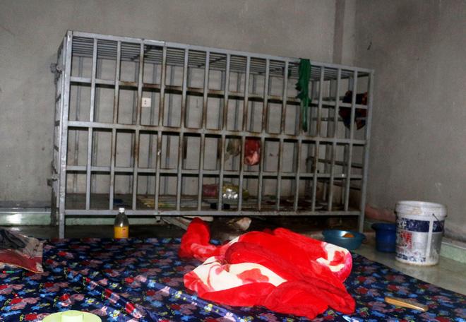 Cận cảnh chiếc chuồng cọp được bà vợ ở Thanh Hóa dùng để nhốt chồng suốt 3 năm-1