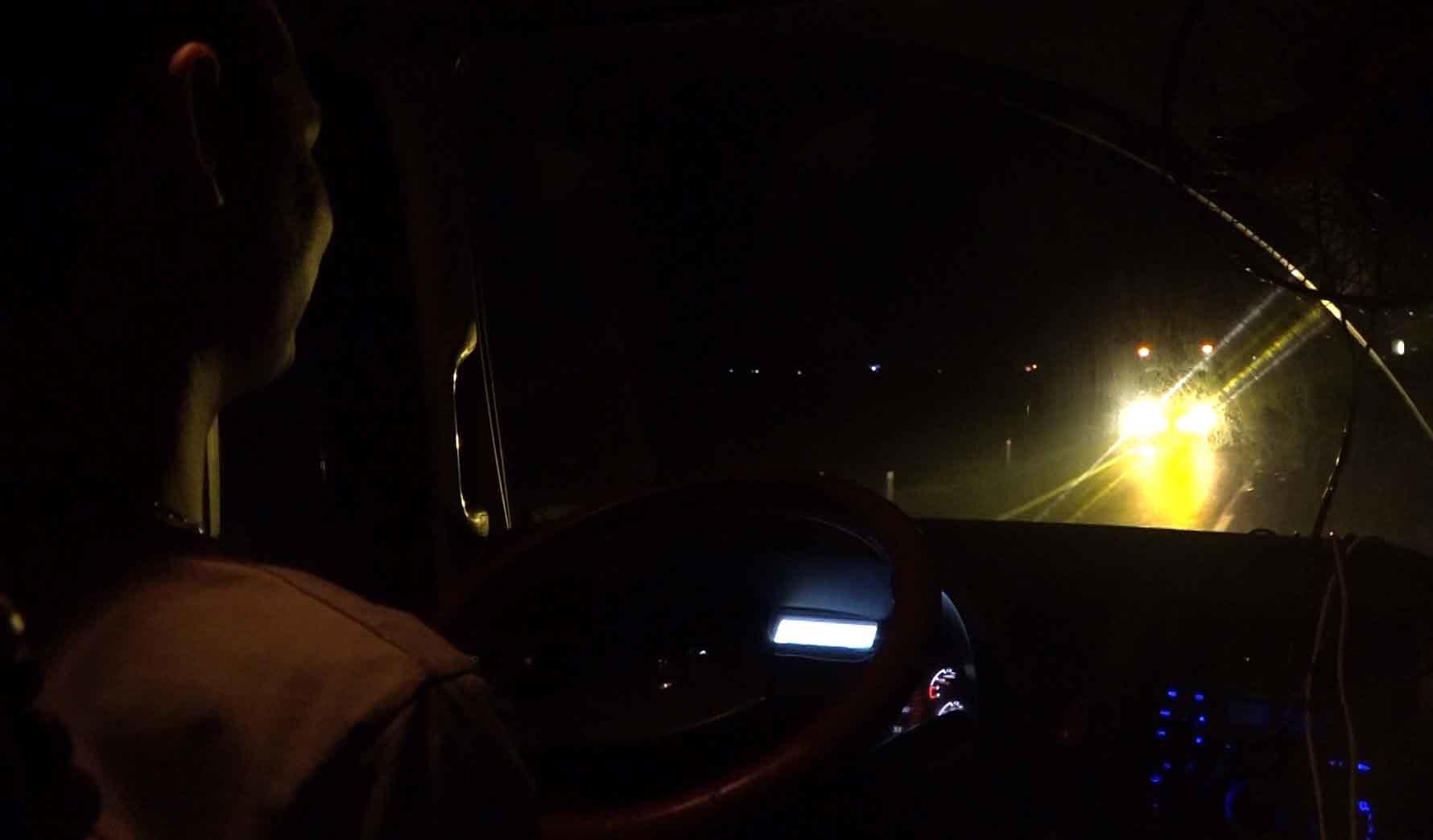 Lời đồn ma túy giúp tỉnh như sáo 2 ngày 2 đêm: Lái xe container tàn đời-3