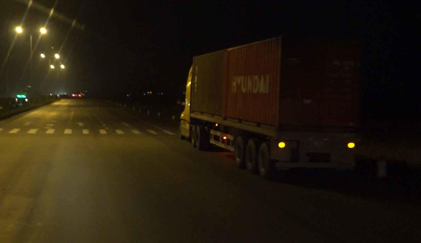 Lời đồn ma túy giúp tỉnh như sáo 2 ngày 2 đêm: Lái xe container tàn đời-4