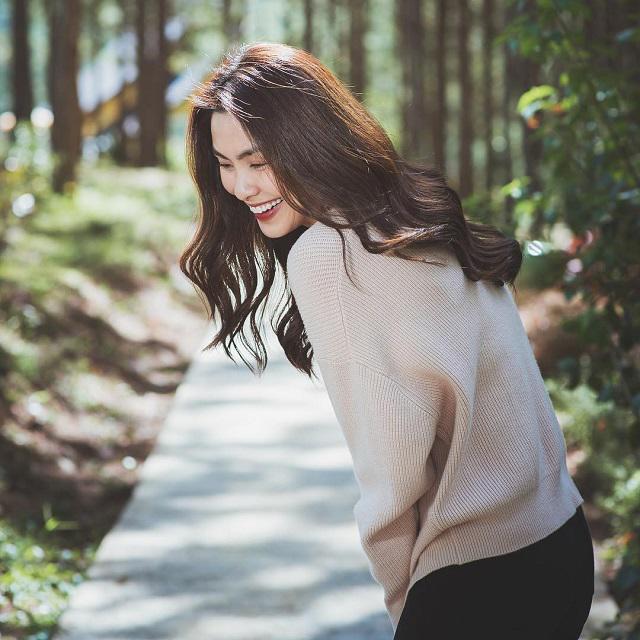Muốn đẹp phải học Hà Tăng, không cầu kì rắc rối, chỉ một kiểu tóc mà đẹp hết bốn mùa-3