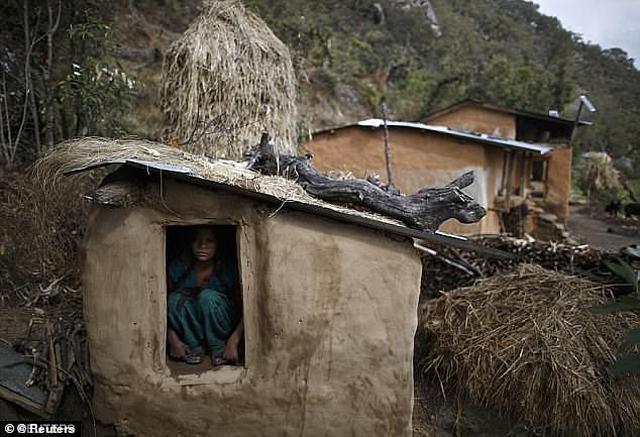 Chồng bắt ngủ ngoài nhà vì đến ngày đèn đỏ, vợ và 2 con trai gặp họa thảm khốc-1