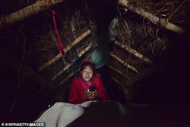 Chồng bắt ngủ ngoài nhà vì đến ngày đèn đỏ, vợ và 2 con trai gặp họa thảm khốc-2