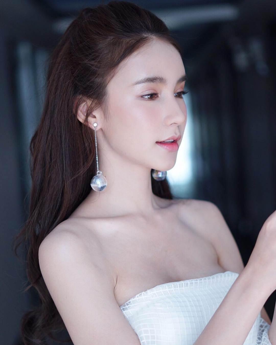 Nhan sắc xinh đẹp của nữ hoàng chuyển giới Thái Lan sau gần 2 năm-4