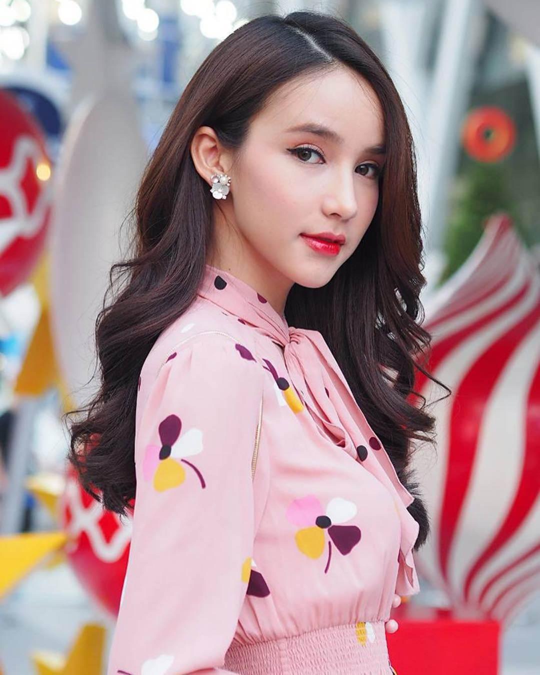Nhan sắc xinh đẹp của nữ hoàng chuyển giới Thái Lan sau gần 2 năm-13