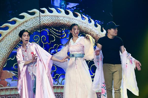 Hoa hậu Tiểu Vy ngã sõng soài khi đóng Táo cùng Mr Đàm-2