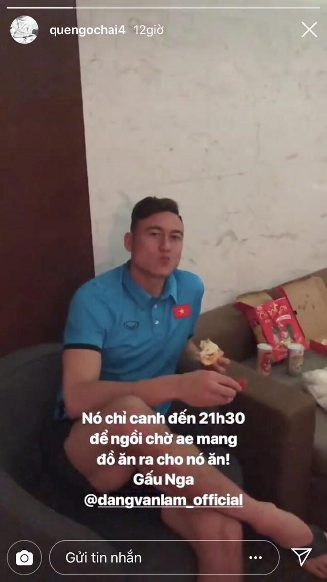 Văn Hậu tậu siêu xe đẳng cấp, Lâm tây bị mắng yêu vì lén lút ăn pizza-3