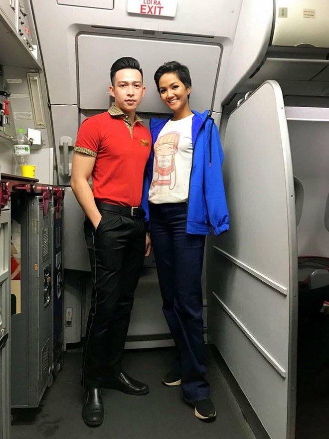 Hhen Niê thẳng thắn nói về việc mặc áo 40 nghìn đồng, đi giày bẩn lên máy bay-1