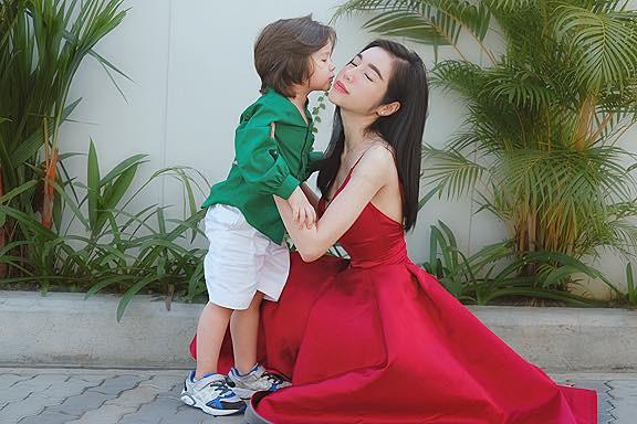 Chồng Tây vừa bị lộ danh tính, Elly Trần lại tiết lộ câu chuyện gia đình đầy bất ngờ-10