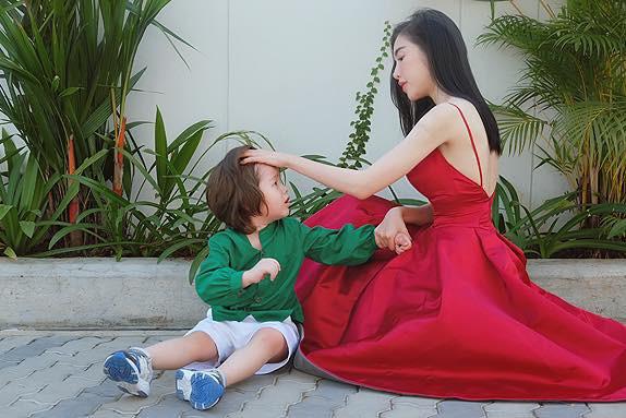 Chồng Tây vừa bị lộ danh tính, Elly Trần lại tiết lộ câu chuyện gia đình đầy bất ngờ-8