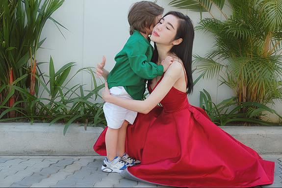 Chồng Tây vừa bị lộ danh tính, Elly Trần lại tiết lộ câu chuyện gia đình đầy bất ngờ-12
