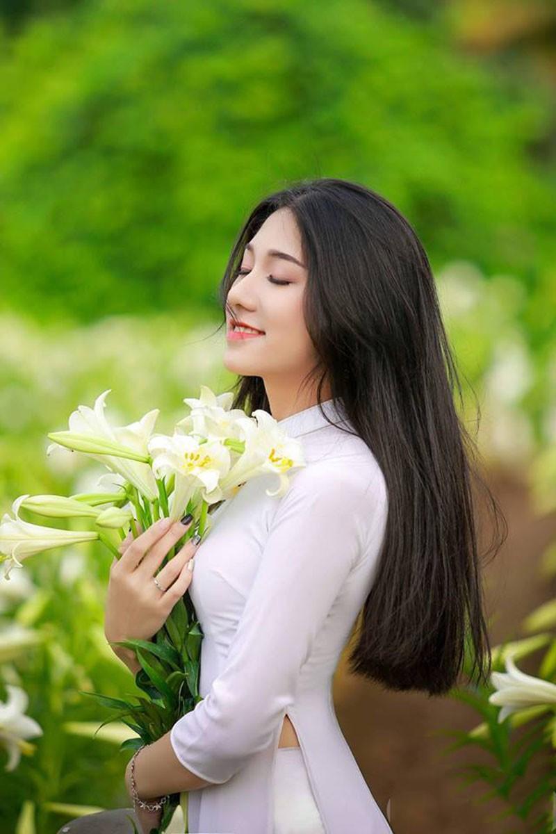 Nữ sinh Học viện Tài chính năng động, làm hoa khôi năm cấp 3-8