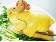 Cách luộc gà thơm ngon, da vàng ươm, không nứt cả nhà đều khen