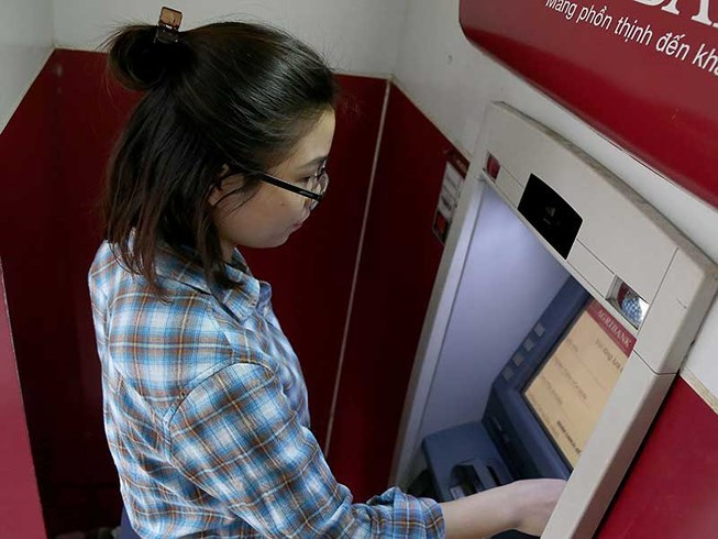 25 triệu thẻ ATM phải làm lại, toàn bộ máy ATM thay đổi-1