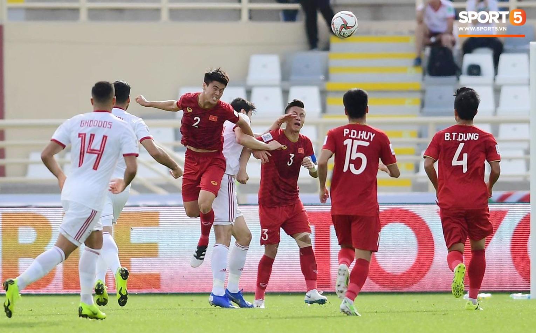 Quang Hải hét lớn, hô hào đồng đội đứng dậy sau bàn thua-3