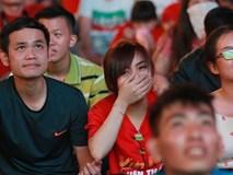 Trực tiếp: CĐV không giấu được nỗi buồn khi Việt Nam thua Iran với tỷ số 0 - 2