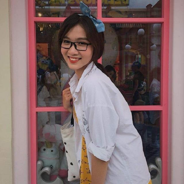 Thời trang chất hơn gái xịn của Nhật Hà - người kế nhiệm Hương Giang tại HH Chuyển giới 2019-10