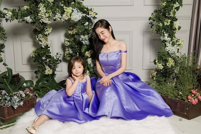 Cadie diễn xuất cực tự nhiên bên mẹ Elly Trần trong loạt ảnh thời trang-2