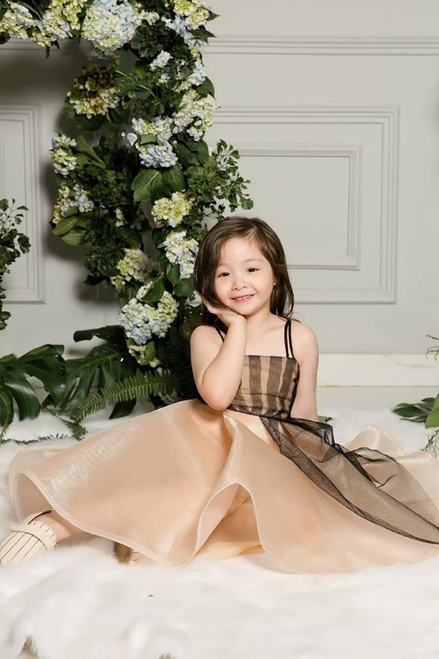 Cadie diễn xuất cực tự nhiên bên mẹ Elly Trần trong loạt ảnh thời trang-4