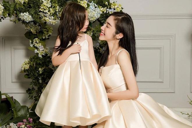 Cadie diễn xuất cực tự nhiên bên mẹ Elly Trần trong loạt ảnh thời trang-7