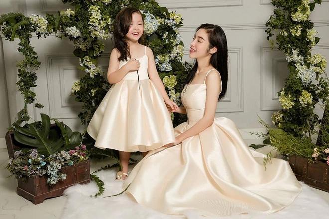 Cadie diễn xuất cực tự nhiên bên mẹ Elly Trần trong loạt ảnh thời trang-10