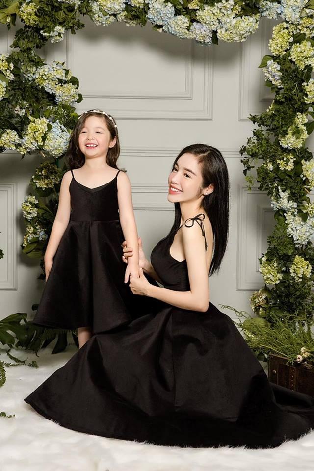 Cadie diễn xuất cực tự nhiên bên mẹ Elly Trần trong loạt ảnh thời trang-13