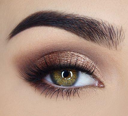 Mắt khói, môi màu nude: Combo ấn tượng cho tiệc tất niên, chị em nhất định phải thử-6